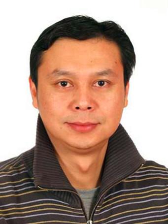 张毅东 营销总监